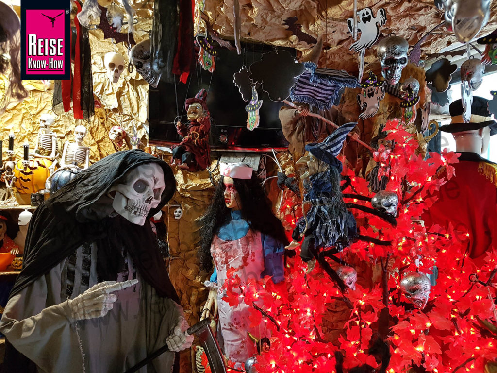Shop mit Halloween-Dekoration in Zamalek