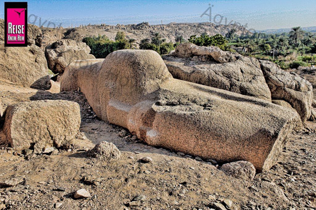 Unfertige Osirisfigur im Steinbruch von Shellal